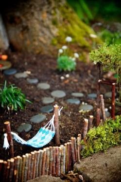 Impressive Magical Mini Garden Ideas22