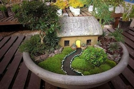 Impressive Magical Mini Garden Ideas34