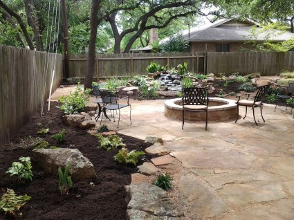 Pretty Grassless Backyard Landscaping Ideas30