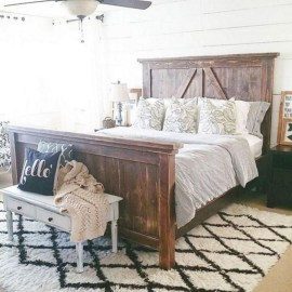 Romantic Rustic Farmhouse Bedroom Design And Decorations Ideas29