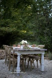 Stylish French Farmhouse Fall Table Design Ideas05