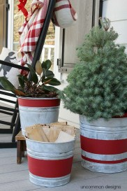 Amazing Outdoor Christmas Ideas For Porch Décor20