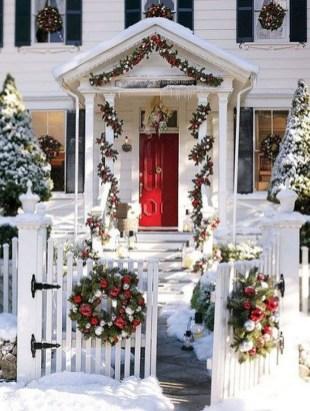 Amazing Outdoor Christmas Trees Ideas 15
