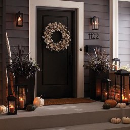 Brilliant Christmas Front Door Decor Ideas09