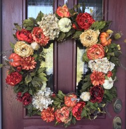Brilliant Christmas Front Door Decor Ideas11