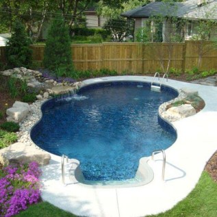 Cozy Swimming Pool Design Ideas For Your Home Backyard09
