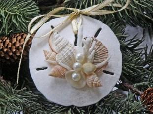 Creative Beach Christmas Decor Ideas15