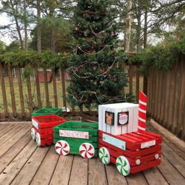 Excellent Outdoor Christmas Decorations Ideas27