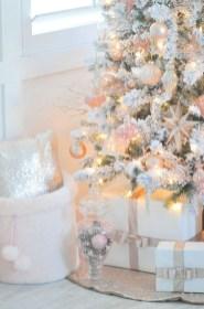 Fascinating White Vintage Christmas Ideas25