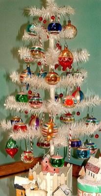 Fascinating White Vintage Christmas Ideas28