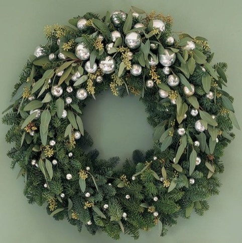 Inspiring Christmas Wreaths Ideas For All Types Of Décor03