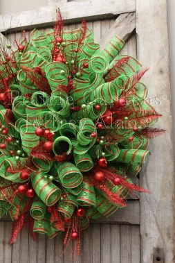 Inspiring Christmas Wreaths Ideas For All Types Of Décor17