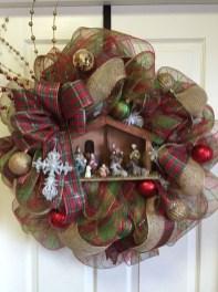 Inspiring Christmas Wreaths Ideas For All Types Of Décor32