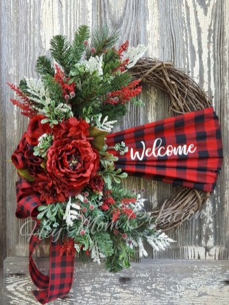 Inspiring Christmas Wreaths Ideas For All Types Of Décor39