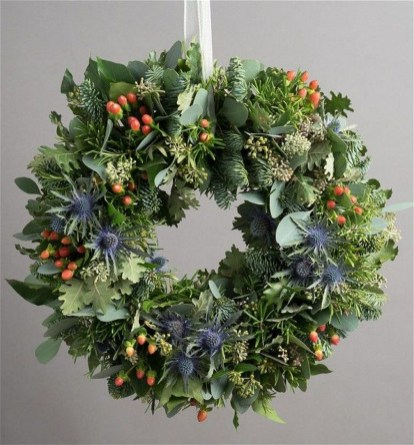 Inspiring Christmas Wreaths Ideas For All Types Of Décor41