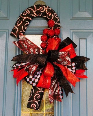 Perfect Candy Cane Christmas Decor Ideas For Your Home33