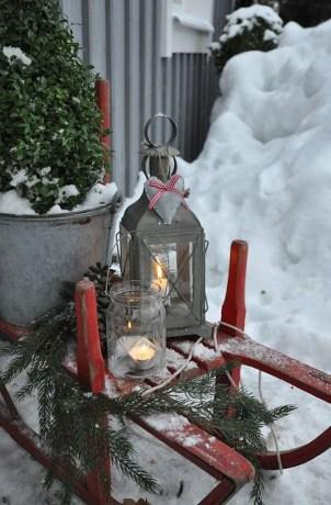 Unique Sleigh Decor Ideas For Christmas06