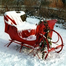 Unique Sleigh Decor Ideas For Christmas12