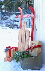 Unique Sleigh Decor Ideas For Christmas20