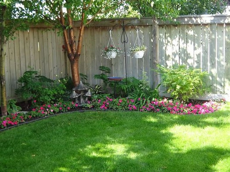 Amazing Big Tree Landscaping Ideas13