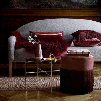 Amazing Red Apartment Living Room For Valentine37