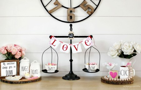 Amazing Valentine Coffee Table Design Ideas13