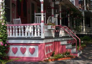 Amazing Valentine Porch Ideas10