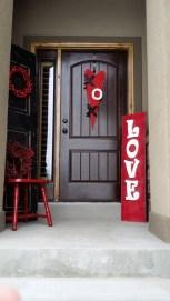 Amazing Valentine Porch Ideas45