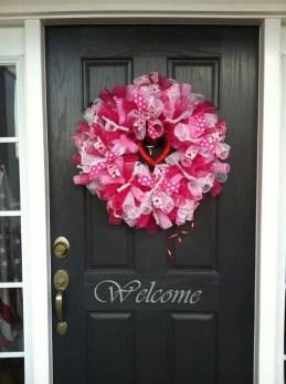 Amazing Valetine Frontyard Ideas38