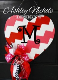 Awesome Front Door Ideas For Valentine26