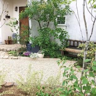 Awesome Rustic Balcony Garden17