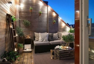 Awesome Rustic Balcony Garden23