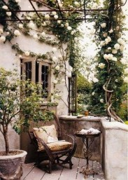 Awesome Rustic Balcony Garden24