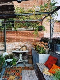 Awesome Rustic Balcony Garden25