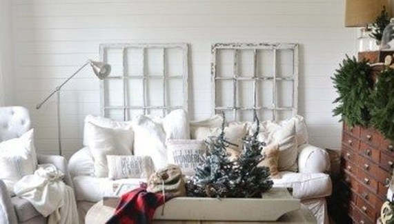 Awesome Winter Living Room Ideas08