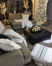 Awesome Winter Living Room Ideas15