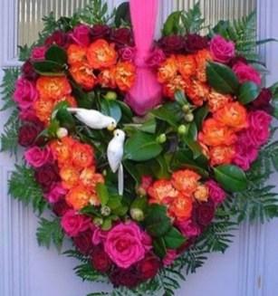 Beautiful Flower Decoration Ideas For Valentine34