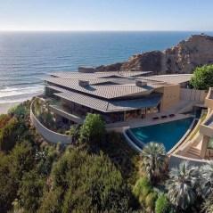 Amazing Modern Home Exterior Designs04