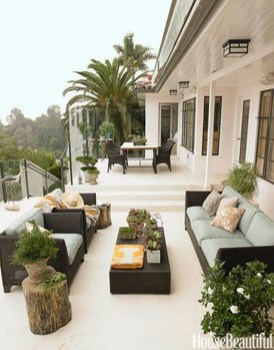 Amazing Traditional Patio Setups For Your Backyard06