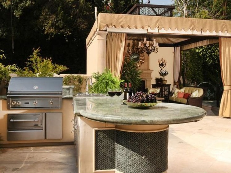 Amazing Traditional Patio Setups For Your Backyard20