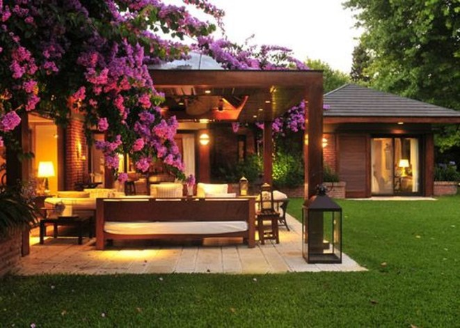 Amazing Traditional Patio Setups For Your Backyard47