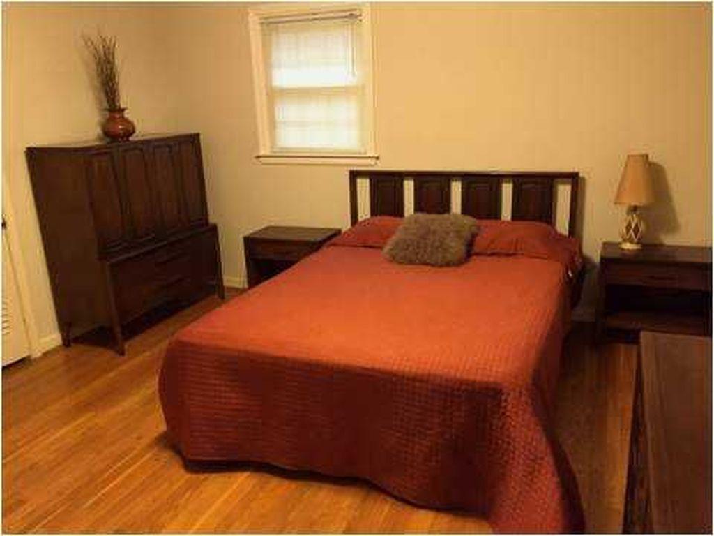 Beautiful Vintage Mid Century Bedroom Designs18