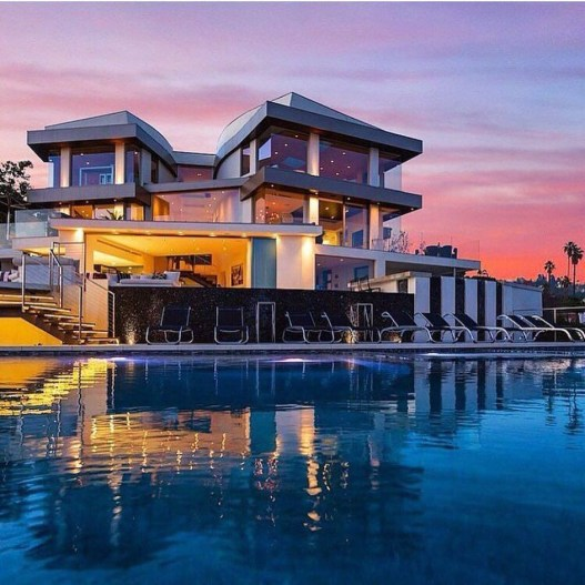 Extravagant Houses With Unique And Remarkable Design41