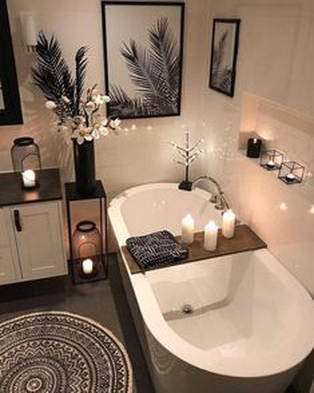 Lovely Contemporary Bathroom Designs41