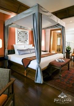 Relaxing Asian Bedroom Interior Designs41