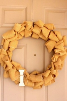 Simple Halloween Wreath Designs For Your Front Door09