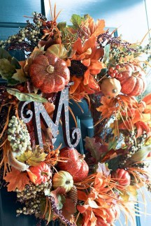 Simple Halloween Wreath Designs For Your Front Door10