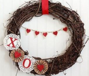 Simple Halloween Wreath Designs For Your Front Door19
