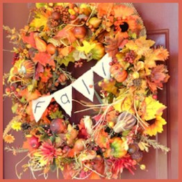 Simple Halloween Wreath Designs For Your Front Door23