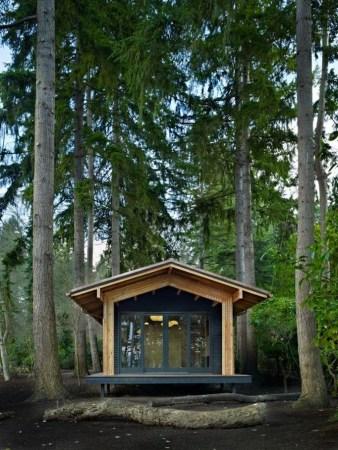 Amazing Backyard Studio Shed Design21